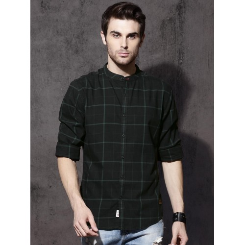 Roadster Men Black & Green Regular Fit Checked Casual Shirt