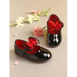 Walktrendy by Walkinlifestyle Black Solid Ballerinas