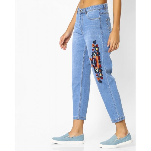 RIO Mid-Rise Boyfriend Jeans with Embroidery