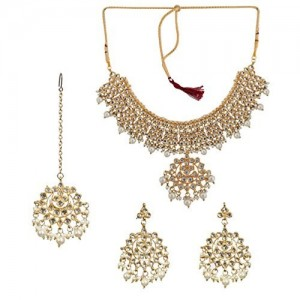 Twella Creations Kundan & Pearls Necklace Set With Maangtika