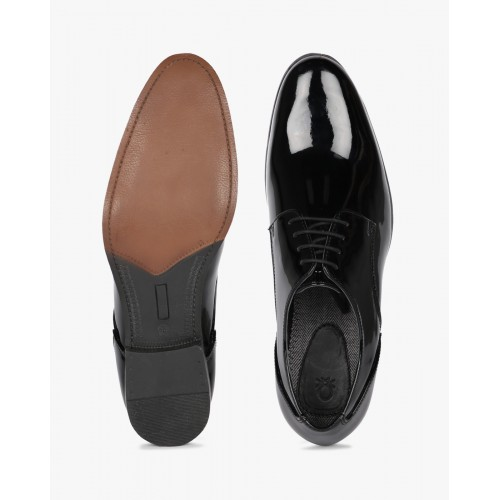 5bc2265b54 Buy UNITED COLORS OF BENETTON Patent Leather Oxford Shoes online ...