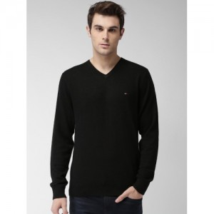 Tommy Hilfiger Men Black Woollen Solid Sweater