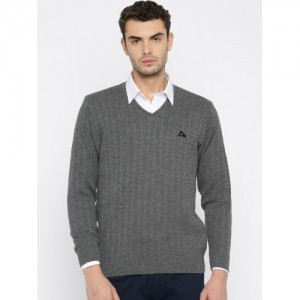 Monte Carlo Men Grey Self Design Pullover