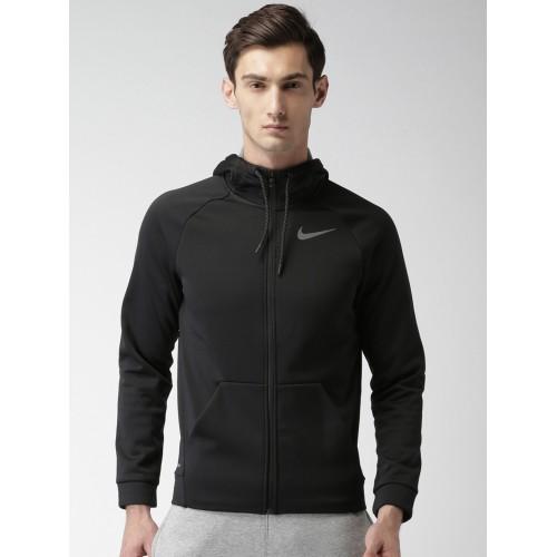 2158ada8 Buy Nike Men Black Solid Hooded Sweatshirt online | Looksgud.in