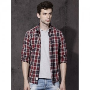 Roadster Maroon & Navy Blue Slim Fit Checked Casual Shirt