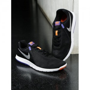 af05c1cc01507 Buy latest Men's Sports Shoes from Nike On Jabong, Ajio online in ...