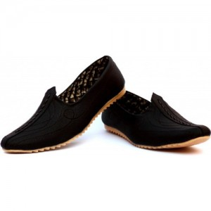 Mr. Chief Black Artificial Leather Slip On Jutis