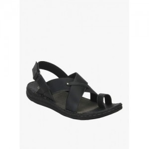 58a6c7f0566 Buy latest Men s Sandals   Floaters ₹1000 - ₹1500 online in India ...
