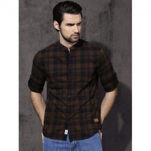 Roadster Men Brown & Black Slim Fit Checked Casual Shirt