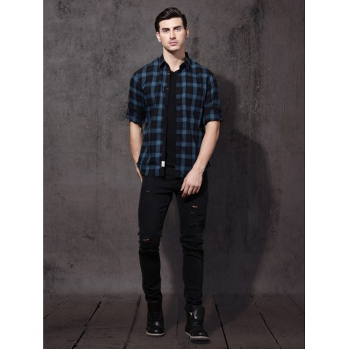 Roadster Men Blue & Black Regular Fit Checked Casual Shirt