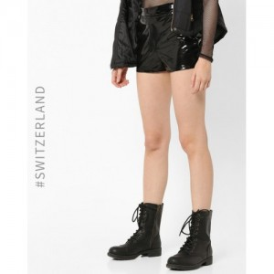 TALLY WEiJL Black Shorts with Back Zip Closer