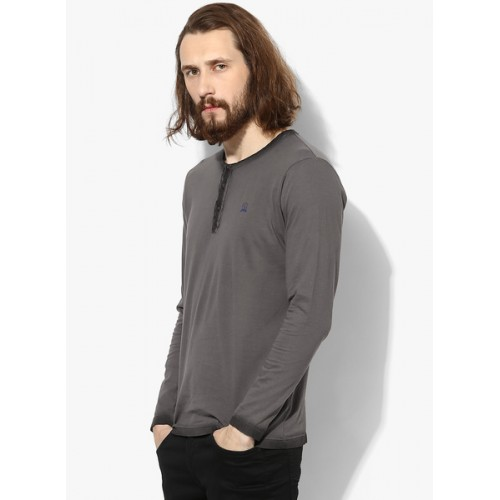 Spykar Gray Solid Slim Fit Henley T-Shirt