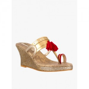 Signature Sole Women Gold Solid Wedges
