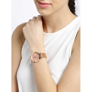 DressBerry Women Rose Gold-Toned Analogue Watch DB17-3A