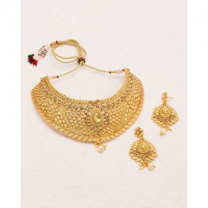 Voylla Golden Alloy Necklace Set With Dainty Patterns