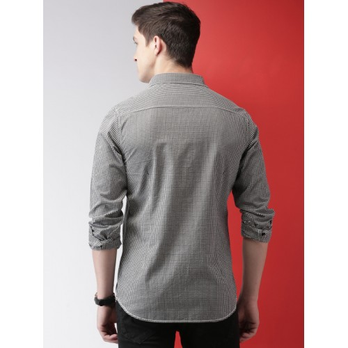 Mast & Harbour Black & White Slim Fit Checked Casual Shirt