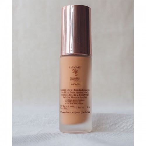 Lakme 9 To 5 Flawless Matte Complexion Foundation