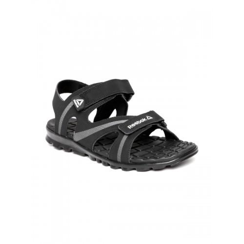 bee736433205 Buy Reebok Men s Maze Flex Sandals and Floaters online