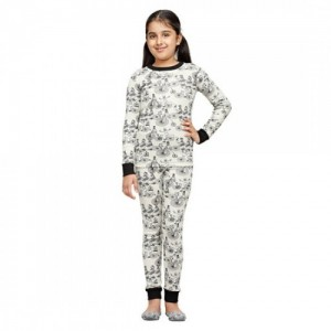 Nuteez Kids White Cotton Traveller Pyjama Set for Kids