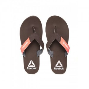 197db7d627c3bb Buy latest Men s FlipFlops   Slippers from Reebok On Amazon online ...