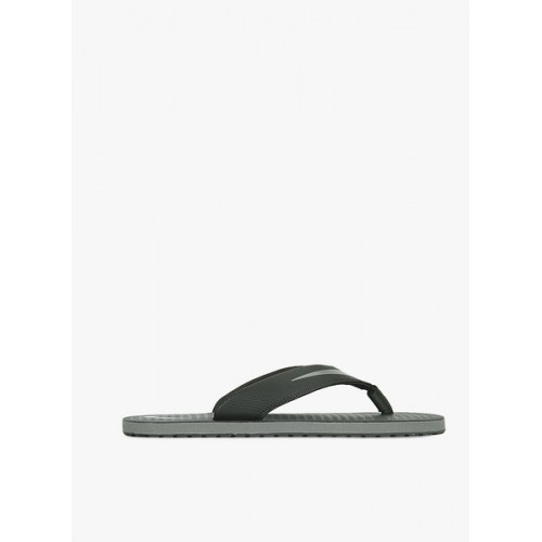 uk availability 3fc7c 1ea05 Buy NIKE CHROMA THONG 5 Flip Flops online | Looksgud.in