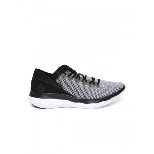 248a96e666503a Buy Reebok Women Black   Grey Astroride Forever Running Shoes online ...
