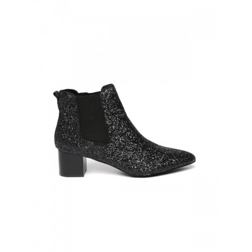 96169e4be361 Buy FOREVER 21 Women Black Solid Heeled Boots online