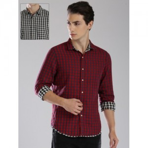 Levis Men Black & Red Regular Fit Checked Reversible Casual Shirt