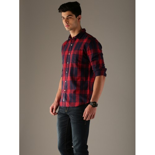 Flying Machine Red & Navy Blue Regular Fit Checked Casual Shirt