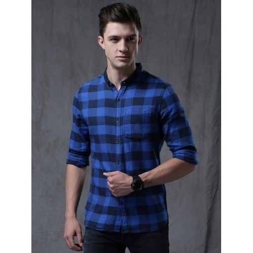 WROGN Men Blue & Black Regular Fit Checked Casual Shirt