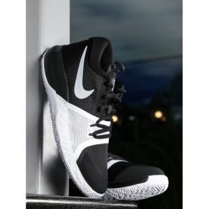 Nike Boys Black ZOOM ASSERSION (GS) Basketball Shoes