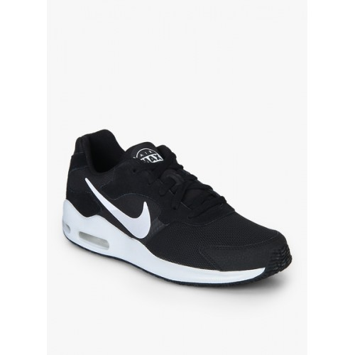 7c01fce6f4b Buy Nike Men Black AIR MAX GUILE Sneakers online