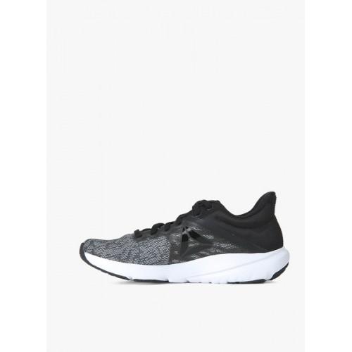 eda9a90a Buy Reebok Osr Distance 3.0 Black Running Shoes online | Looksgud.in