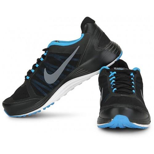 on sale 961dd 19e83 Buy Nike Men Black Revolve 2 Sports Shoes 715525-003 online ...