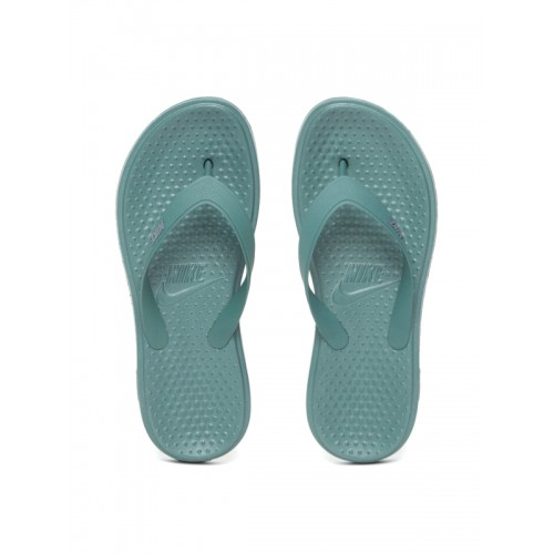 b73400f8bfde Buy Nike Men Green SOLAY Solid Thong Flip-Flops online