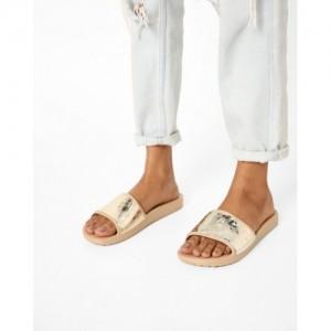 d2fb33df3c2c Buy latest Women s FootWear from Crocs online in India - Top ...