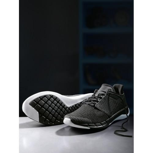 21b443fa2fb2 Buy Reebok Women Black FSTR Flexweave Woven-Design Running Shoes ...